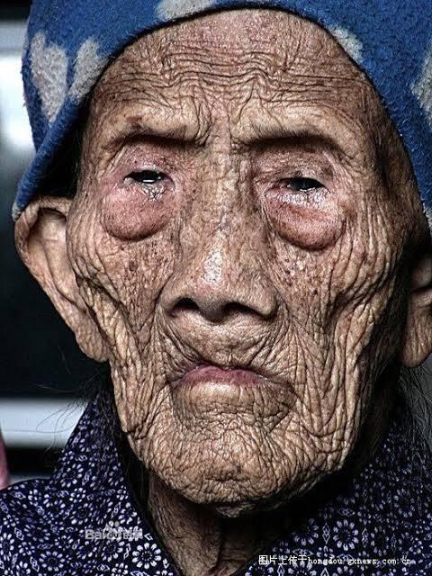 Li Ching-Yuen 256 yaşında